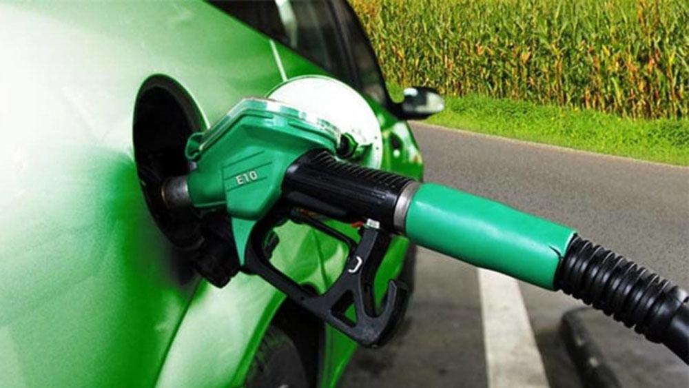 Giá xăng dầu tăng lần thứ hai trong tháng